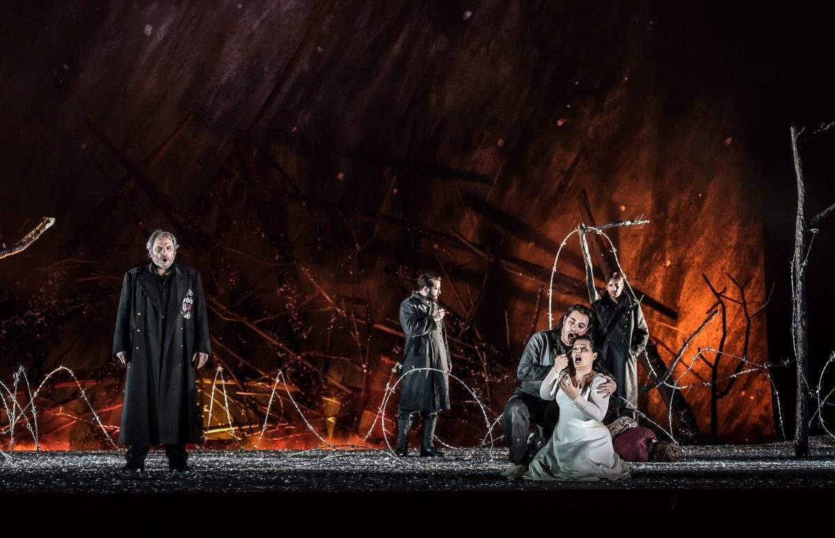 Il Trovatore by Verdi; Royal Opera House; Covent Garden; London, UK; 29 June 2016; Cast A: Željko Lučić as Count di Luna (left); Francesco Meli as Manrico; Lianna Haroutounian as Leonora; Conuctor - Gianandrea Noseda; Director - David Bösch; Set and video designer - Patrick Bannwart; Costume designer - Meentje Nielsen; Lighting designer - Olaf Winter; Photo: © ROH Photographer: CLIVE BARDA