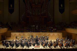 新日本フィル10月定期・11月定期―上岡音楽監督の2公演&D. R. デイヴィスの職人芸